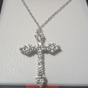 🔥STERLING SILVER CROSS NECKLACE🔥